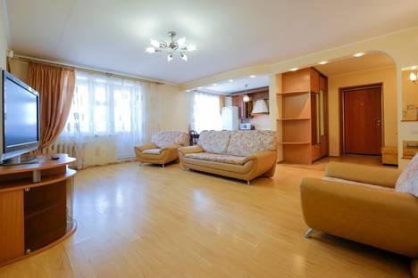 Сдается 3-комнатная квартира посуточно в Томске, Красноармейская улица, 118/1.
