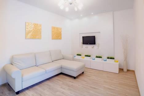 Сдается 2-комнатная квартира посуточнов Уфе, улица Цюрупы 44/2.