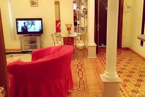 Сдается 2-комнатная квартира посуточно в Баку, 16 улица Шейха Шамиля.