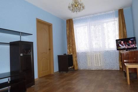 Сдается 2-комнатная квартира посуточно в Твери, бульвар Цанова, 21.