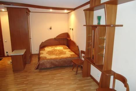 Сдается 1-комнатная квартира посуточнов Новокуйбышевске, улица Стара-Загора, 119.