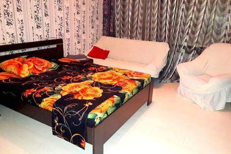 Сдается 2-комнатная квартира посуточнов Прокопьевске, улица Фестивальная, 8.