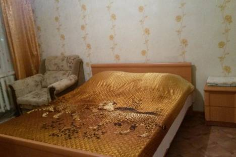 Сдается 2-комнатная квартира посуточно в Ухте, проспект Ленина 37б.