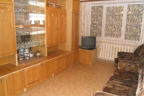 Сдается 2-комнатная квартира посуточно в Сызрани, проспект Гагарина 47.