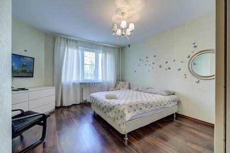 Сдается 1-комнатная квартира посуточнов Санкт-Петербурге, улица Коллонтай 5/1.
