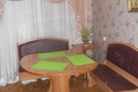 Сдается 3-комнатная квартира посуточнов Сызрани, проспект Космонавтов, 4.