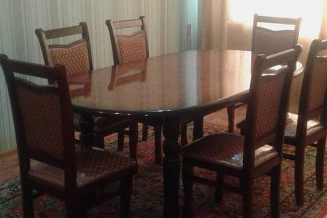 Сдается 3-комнатная квартира посуточно в Уральске, Сурова 121.