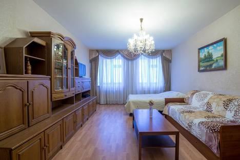 Сдается 2-комнатная квартира посуточно в Казани, ул. Жуковского, 21.