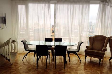 Сдается 4-комнатная квартира посуточно в Уфе, улица Рабкоров, 7.