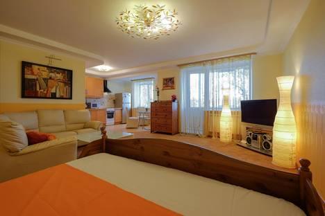 Сдается 1-комнатная квартира посуточнов Томске, улица Алтайская, 8.