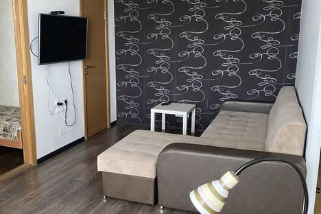Сдается 2-комнатная квартира посуточно в Ижевске, ул. Лихвинцева, 46.