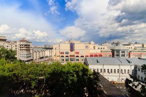 Сдается 3-комнатная квартира посуточнов Щёлкове, ул. Земляной Вал, 24/32.