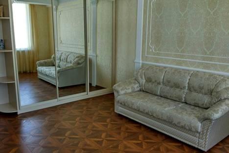 Сдается 1-комнатная квартира посуточнов Угловом, 22/1, ул. Колобова 22.
