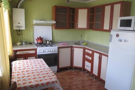 Сдается 2-комнатная квартира посуточнов Бугуруслане, 2 микрорайон дом 40.
