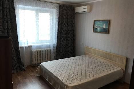 Сдается 2-комнатная квартира посуточно в Балакове, улица Братьев Захаровых, 152.