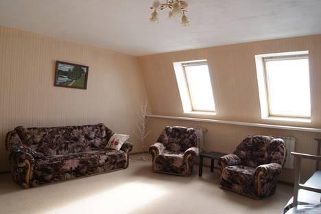 Сдается 3-комнатная квартира посуточнов Великом Устюге, улица Hабережная, 23.
