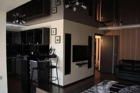 Сдается 2-комнатная квартира посуточнов Балакове, улица Ленина, 91.