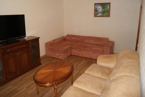 Сдается 2-комнатная квартира посуточнов Балакове, Саратовское шоссе 85/3.
