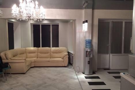 Сдается 2-комнатная квартира посуточнов Балакове, улица Трнавская, 8.