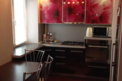 Сдается 3-комнатная квартира посуточнов Вольске, улица Ленина, 60.