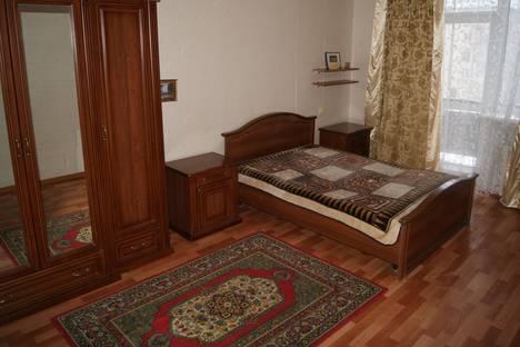 Сдается 4-комнатная квартира посуточнов Балакове, улица Ленина, 127.