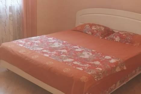 Сдается 3-комнатная квартира посуточно в Ялте, ул. Васильева, 7.