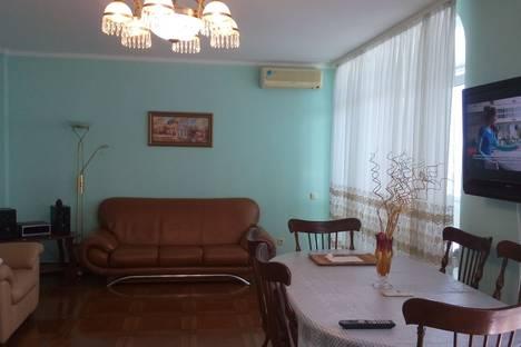 Сдается 2-комнатная квартира посуточно в Ялте, ул.Манагарова 4.
