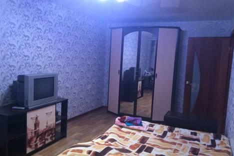 Сдается 1-комнатная квартира посуточно в Кировске, улица 50 лет Октября, 1.
