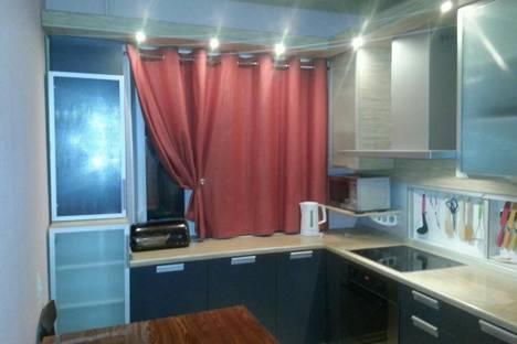Сдается 4-комнатная квартира посуточно в Кировске, Олимпийская улица, 81.
