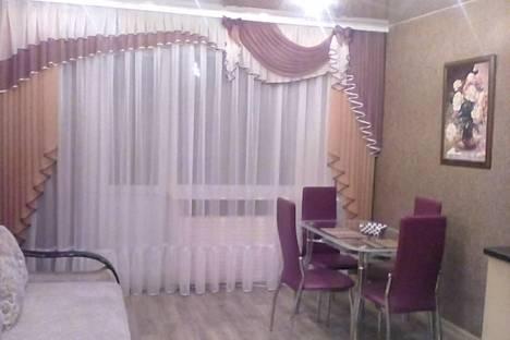 Сдается 2-комнатная квартира посуточнов Братске, Депутатская улица, 38А.