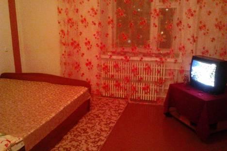 Сдается 2-комнатная квартира посуточнов Орске, улица Московская, 15.