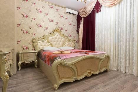 Сдается 2-комнатная квартира посуточно, площадь Ленина, 8.