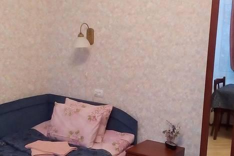 Сдается комната посуточнов Санкт-Петербурге, Новочеркасский проспект, д 17.