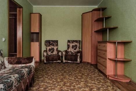 Сдается 1-комнатная квартира посуточнов Кирове, улица Мостовицкая, 1 к1.