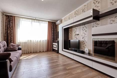 Сдается 2-комнатная квартира посуточнов Ильичёвске, ул.Филатова 19/1.
