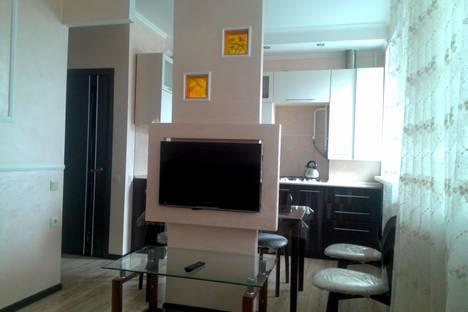 Сдается 2-комнатная квартира посуточно, ул. Ленина 5в.