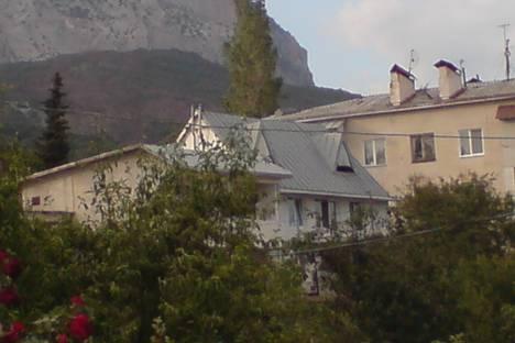 Сдается коттедж посуточно в Алупке, Крым,Севастопольское шоссе, 81Б.