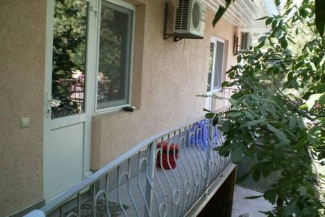 Сдается комната посуточно в Евпатории, улица Дмитрия Ульянова 50.
