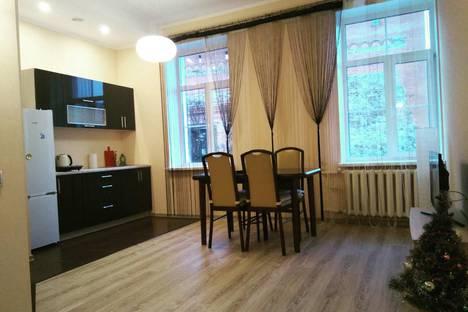 Сдается 2-комнатная квартира посуточно в Лиде, Замковая 3.