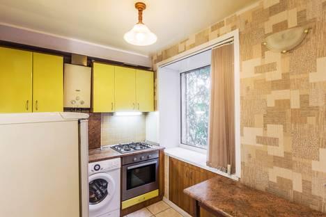 Сдается 2-комнатная квартира посуточно в Самаре, Чернореченская улица д 14.
