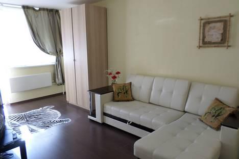 Сдается 1-комнатная квартира посуточно в Екатеринбурге, улица Бехтерева,3.