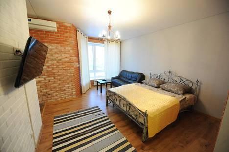 Сдается 1-комнатная квартира посуточно в Тюмени, ул. Первомайская, 50.
