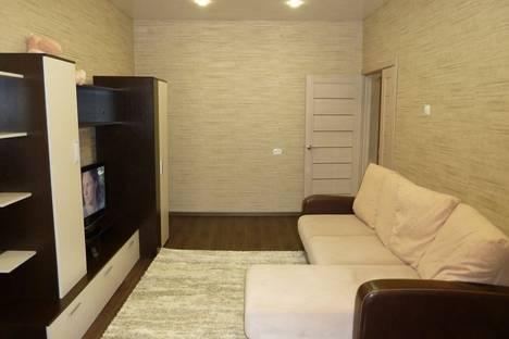 Сдается 2-комнатная квартира посуточно в Кировске, Олимпийская улица дом 83.
