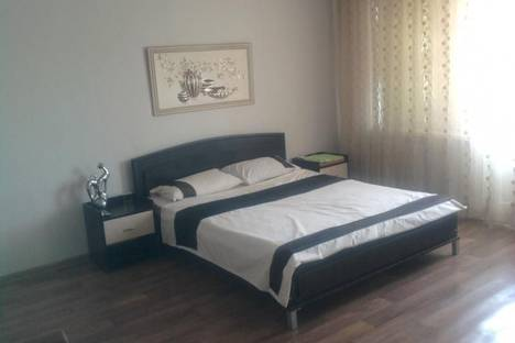 Сдается 1-комнатная квартира посуточно в Днепрорудном, проспект Энтузиастов 10.