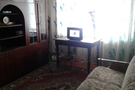 Сдается 2-комнатная квартира посуточно в Днепрорудном, проспект Энтузиастов 20.