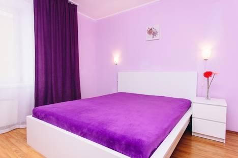 Сдается 2-комнатная квартира посуточно в Екатеринбурге, улица Смазчиков, 3.