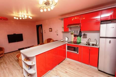 Сдается 3-комнатная квартира посуточно в Комсомольске-на-Амуре, Первостроителей проспект, 19.