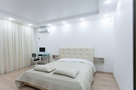 Сдается 1-комнатная квартира посуточнов Челябинске, улица 40-летия Победы, 11.