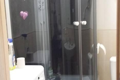 Сдается 1-комнатная квартира посуточнов Сочи, улица Крымская, 81.