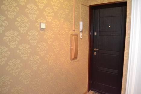 Сдается 2-комнатная квартира посуточнов Кировске, улица 50 лет Октября, д.29.